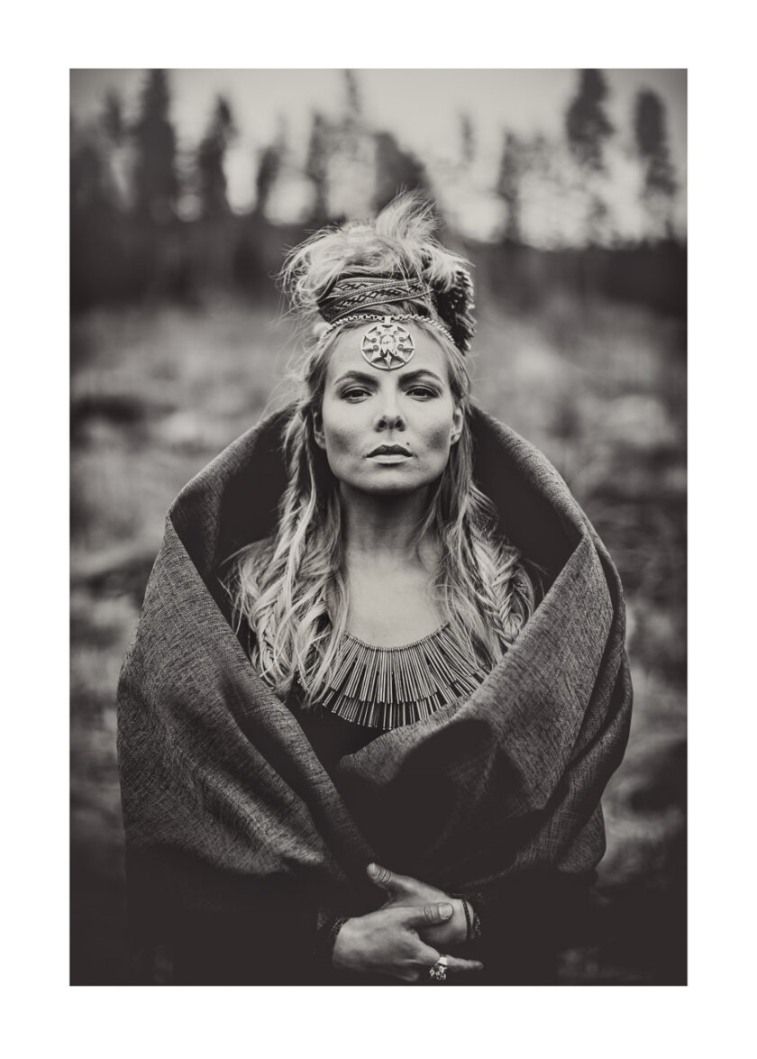 Ståtligt porträtt av kvinna