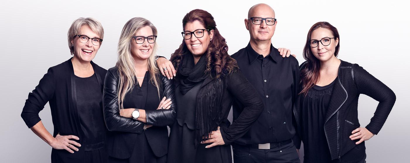 Gruppfoto på de anställda på Greens optik