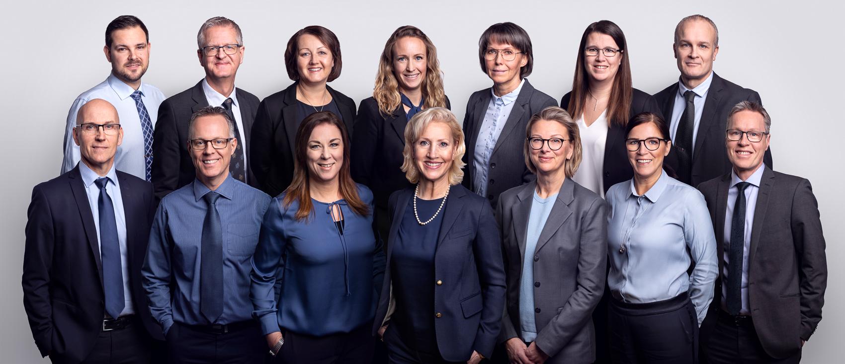 Ihopklippt Gruppfoto av personalen på Esse Revision